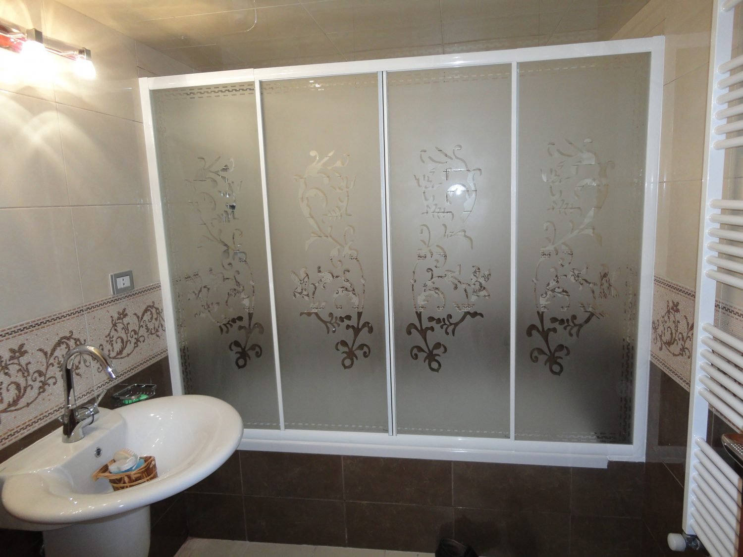Rolling Shower Doors